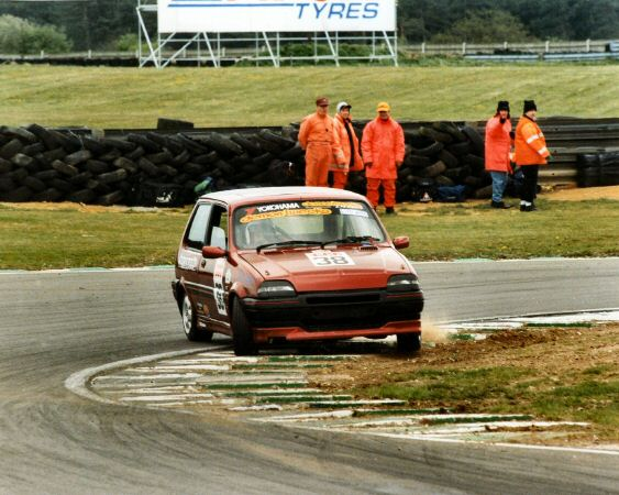 The DPR Rover Metro GTi at Snetterton's Russell Corner